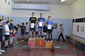 Серебро тяжелоатлетов