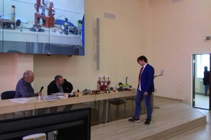 Феоктистов Владислав  с проектом  работы по теме